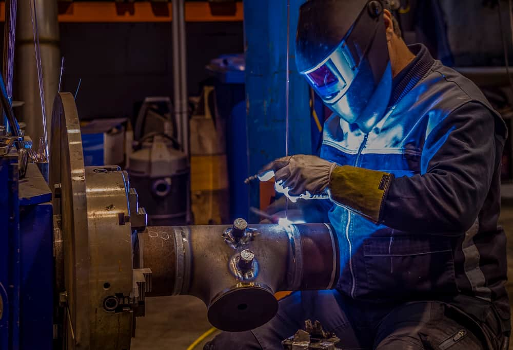 Welder using orbital welding machine