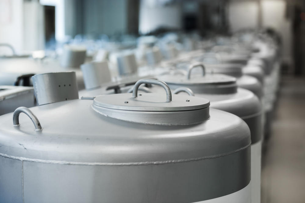 Pressure vessels for cryogenic application